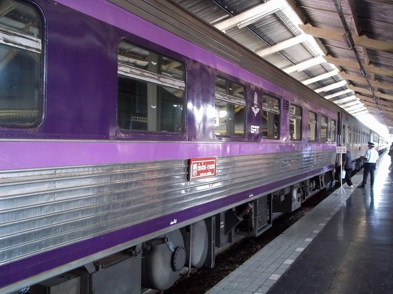 Train 52 from Chiang Mai to Bangkok